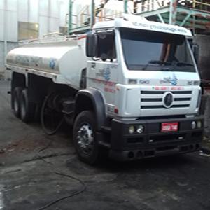 Caminhão pipa em Aruja